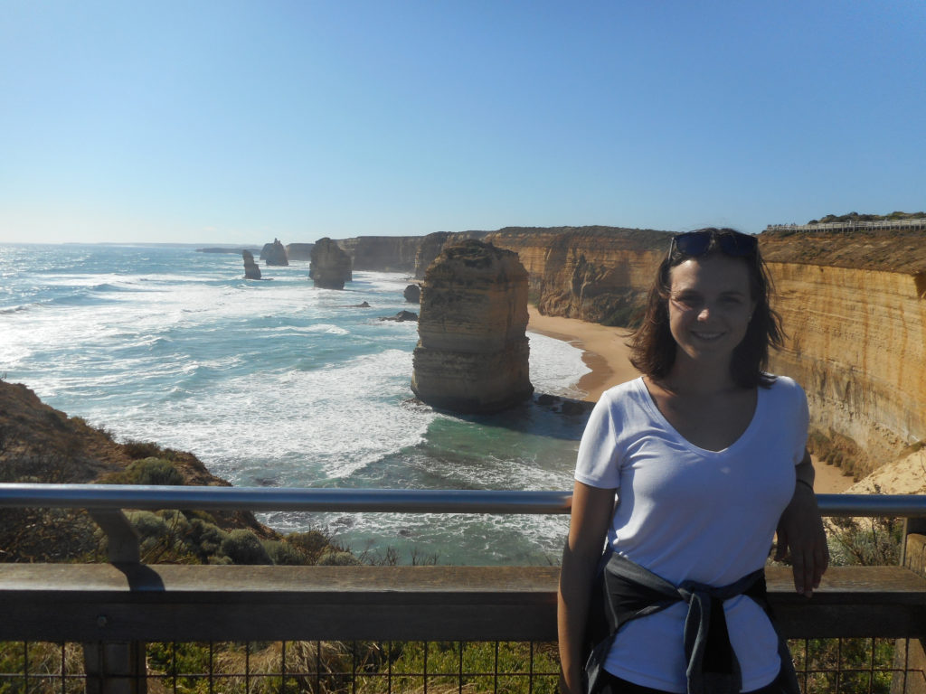 Photo of Sabrina Jaeger in front of the coast in Australia